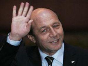 Acţiune la înălţime: Băsescu, aşteptat să planteze copaci la Vatra Dornei