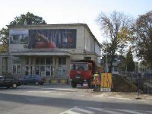Coşmarul continuă: Restricţii de circulaţie în zona Cinematografului Modern