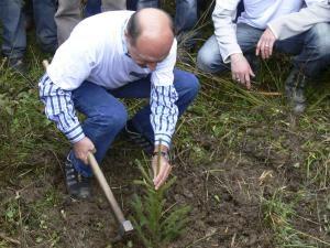 Traian Băsescu, voluntar ecologist în judeţul Suceava 01