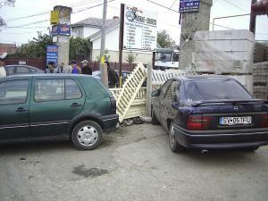 Accident: Trei maşini buşite pe strada Gheorghe Doja