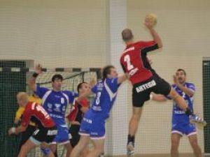 Handbal: A treia victorie pentru universitari