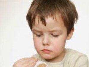 Studiu: Copiii depresivi şi anxioşi, mai predispuşi la alergii