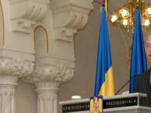 Băsescu convoacă: Referendum pentru uninominal