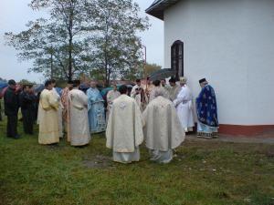 În spiritul credinţei ortodoxe: 30 de familii şi-au construit biserică la Vicşani - Muşeniţa
