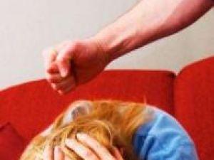 Violenţa intrafamilială, principalul motiv de divorţ