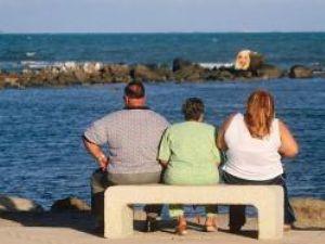 Statistici alarmante: Un sfert dintre bărbaţi şi femei sunt obezi