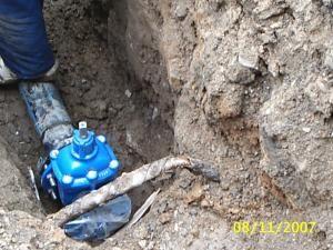 Cabluri de alimentare, rupte de firme de construcţii