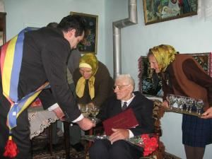 Cel mai bătrân om al oraşului Salcea, sărbătorit