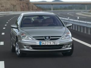 Exclusiv: Peugeot 608, sedan top-secret