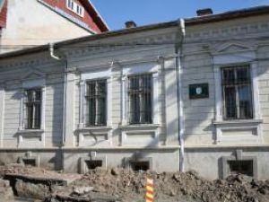 Imobilul de pe strada Dragoş Vodă a cărui faţadă va fi inclusă în noua clădire a Laboratorului Zonal de Restaurare