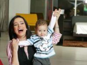 Olivia Steer şi fiul ei, David