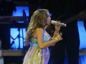 Pentru a nu-şi pune sarcina în pericol: Jennifer Lopez ia o pauză în carieră