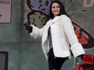 Silvia Chifiriuc, împreună cu Petre Roman, va dansa în scop umanitar