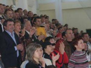 Publicul, chemat să susţină echipa de handbal