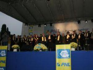 Călin Popescu Tăriceanu, a participat la un miting electoral organizat în Suceava