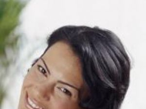 Îngrijire: Uleiuri esenţiale pentru un păr sănătos