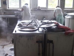 Bucătăresele de la Spitalul Judeţean, la cursuri