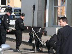 Explic foto: Grupa pirotehncă a Poliţiei, mereu pe drumuri, fără motiv