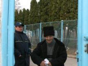 Neculai Gheban a păşit temător pe poarta închisorii