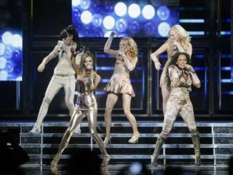 Trupă reunită: Spice Girls au revenit în forţă