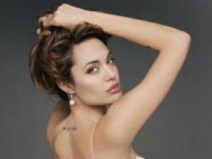 Top: Angelina Jolie printre deştepţii de la Hollywood