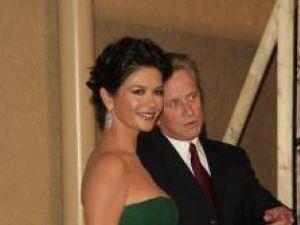 Un cuplu celebru: Michael Douglas (63 de ani) şi Catherine Zeta Jones (38 de ani)