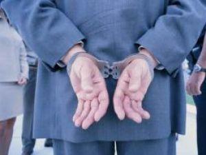 Bătaie de joc: A stat cinci zile în arest, dintr-o greşeală