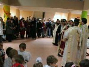 """Grădiniţa cu Program Prelungit """"Sfântul Ioan cel Nou"""" a fost inaugurată de Moş Nicolae."""