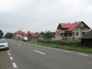 Porţiunea de şosea a DN 17 din comuna Vama, adevărată capcană pentru şoferi