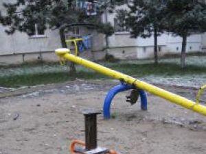 Copiii din Obcini nu mai au unde să se joace