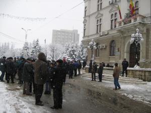 Aproximativ 50 de sindicalişti au protestat împotriva modificării Legii 130/1996
