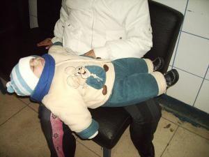 Bebeluşul care a stat pe holurile Urgenţei toată dimineaţa zilei de duminică