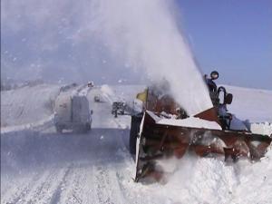 Zăpada dă de furcă şoferilor
