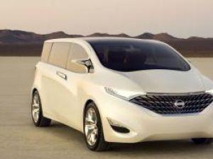 Premieră: Nissan Forum, libertate familială
