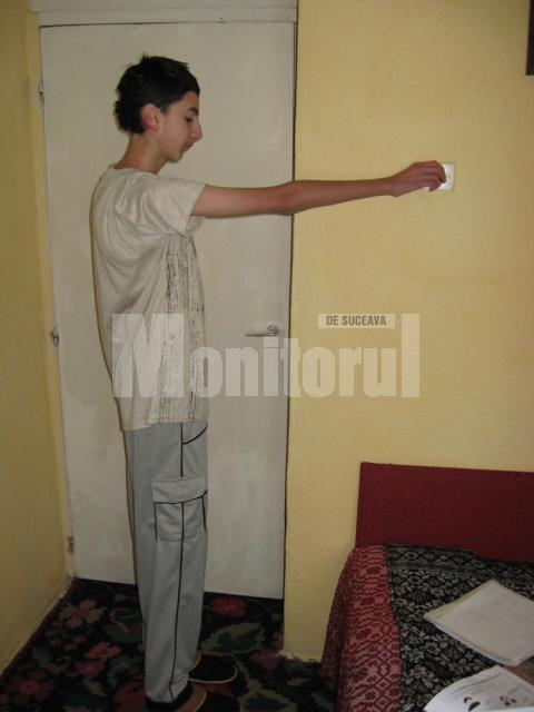 Petru Sibechi are doar 40 de kilograme, deşi are o înălţime de 1,80 metri