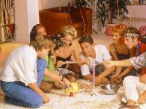 Sfaturi: Cum organizezi petrecerea de Revelion la tine acasă
