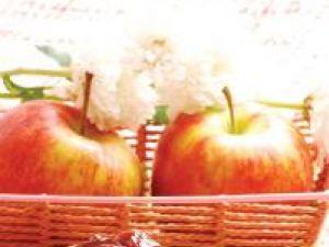 Desert cu mere şi struguri