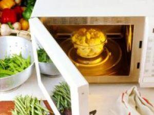 Bucătărie: Cuptorul cu microunde, duşmanul vitaminelor