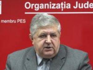 Gavril Mîrza: Oare unde era domnul Dulgheru când se distribuiau cârnaţii şi vinul?