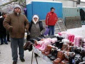 În bazar, comercianţii au suferit de frig, iar cumpărătorii s-au arătat doar sporadic