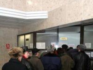 La ghişeele Primăriei Suceava s-au prezentat, ieri, aproape 1000 de suceveni