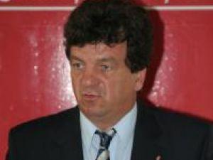"""Virginel Iordache: """"Solicităm imperativ domnului primar Ion Lungu să recunoască public apartenenţa la PD-L"""""""