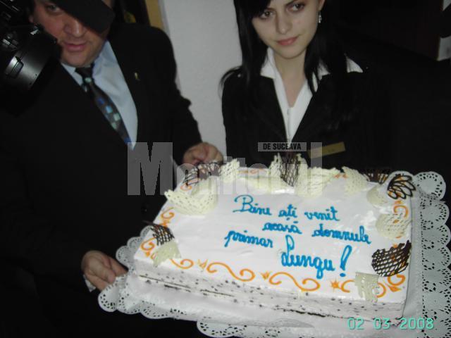 Lungu a fost întâmpinat în PD-L cu un tort