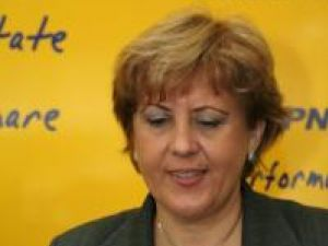 Soluţii: Zarojanu la Primărie, Prodan la preşedinţia PNL Suceava