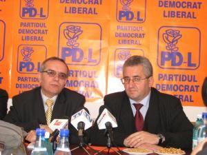 Europarlamentarul PLD Dumitru Oprea şi primarul Ion Lungu