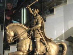 Festivitate: Sute de suceveni la dezvelirea statuii lui Ştefan cel Mare
