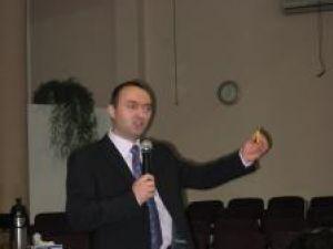 Cristian Adomnitei, la dezbaterea publică