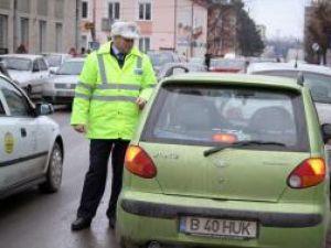 Ieri, în municipiul Suceava: Şoferii fără centuri, traşi pe dreapta şi amendaţi