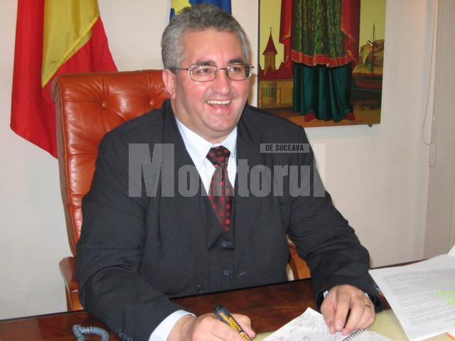 Grav: Ion Lungu, acuzat că a plecat la PD-L cu baza de date şi banii din conturile PNL