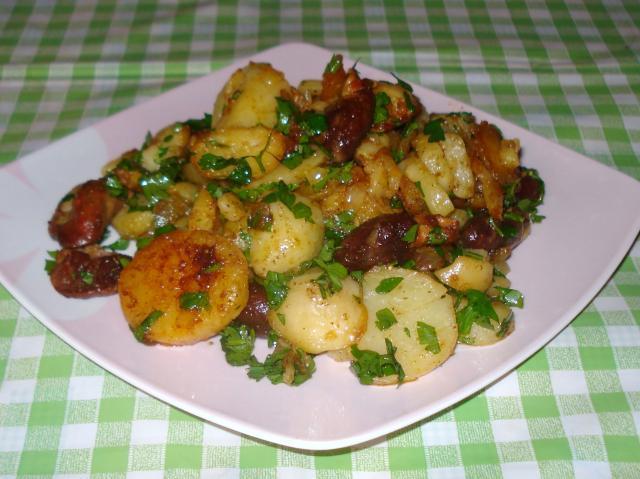 Cartofi cu ficăţei, pipote şi inimi de pui